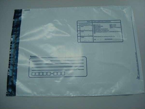 envelope plástico com adesivo